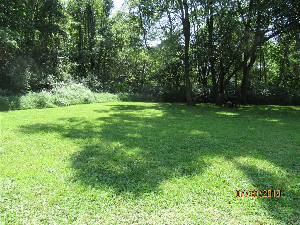 Wooded lot in a private setting