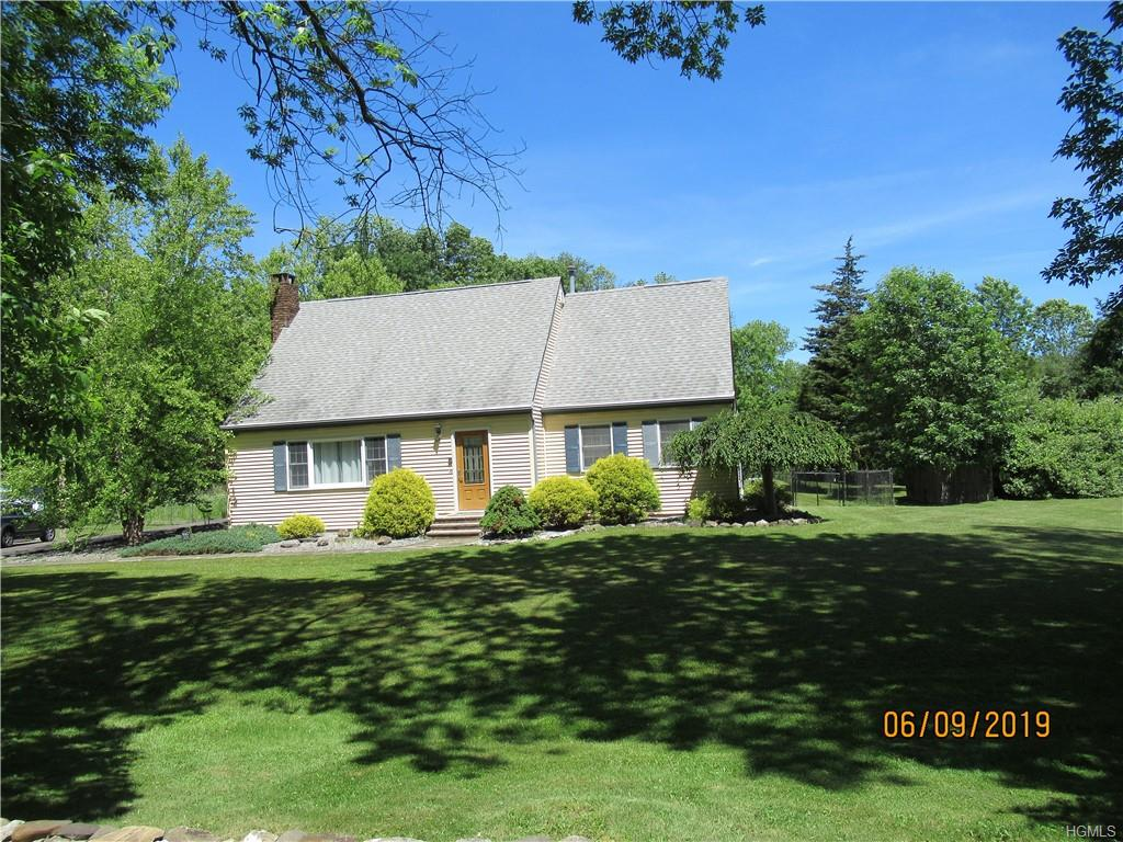 Perfect Country Cape Cod on 2.7 acres